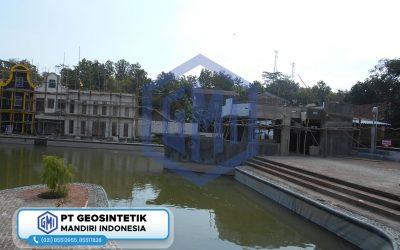 Dokumentasi Instalasi Geomembrane pada Proyek Danau Buatan di Kebumen