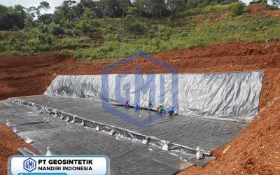 Dokumentasi Pemasangan Geomembrane Pada Proyek Pembangunan Water Pond di Subang